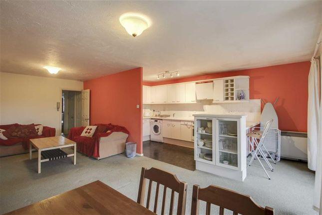 2 bed flat to rent in Boycott Avenue, Oldbrook, Milton Keynes, Buckinghamshire