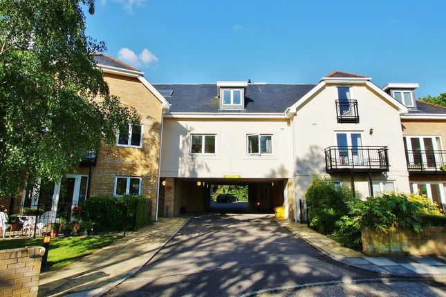 Thumbnail Flat to rent in Grange Avenue, Twickenham