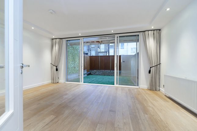 Town house to rent in Meadowbank, Primrose Hill