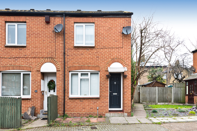 Thumbnail End terrace house for sale in Cardine Mews, Peckham