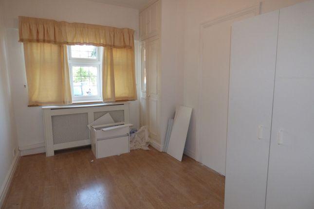 Thumbnail Studio to rent in The Fairway, New Barnet, Barnet