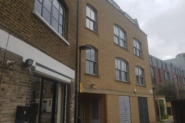 3 bed flat for sale in Florfield Passage, London E8