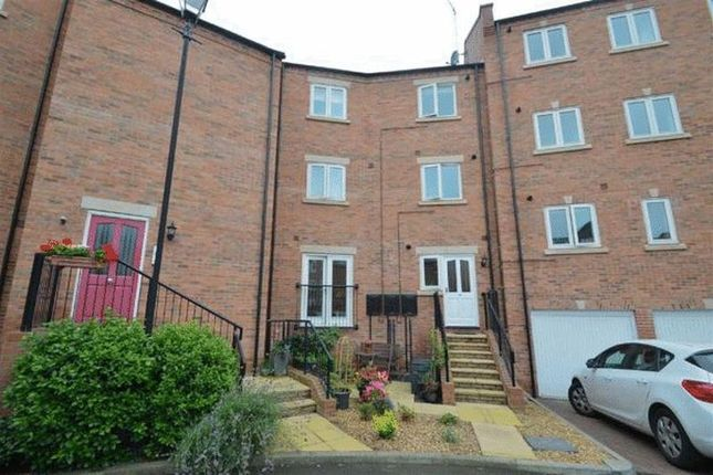 2 bed flat for sale in Williams Way, Shrewsbury SY1