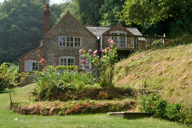 Thumbnail Country house for sale in Henley, Haslemere