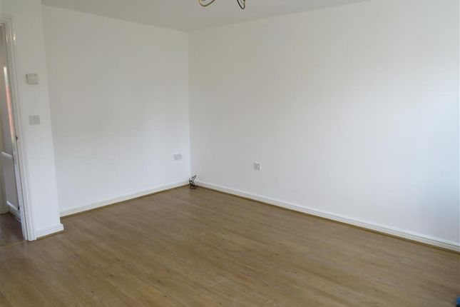 Living Room of Lyvelly Gardens, Peterborough PE1