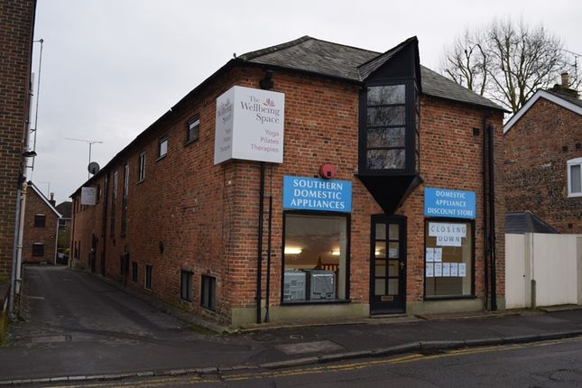 Thumbnail Retail premises to let in Lion & Lamb Way, Farnham