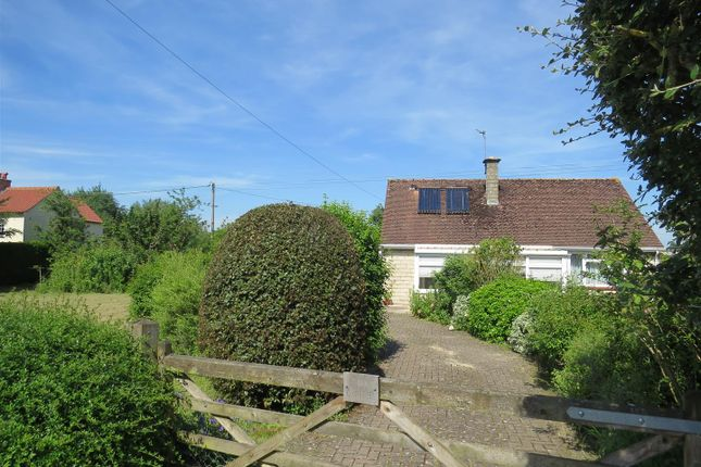 Thumbnail Bungalow for sale in The Hayle, Calstone, Calne