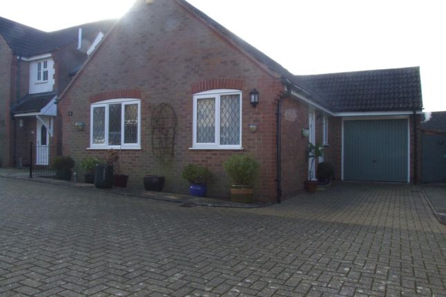 Bungalow to rent in Tuckers Road, Faringdon