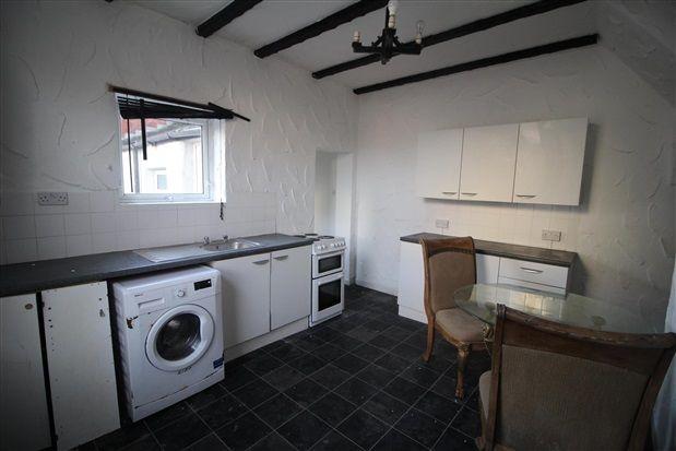Kitchen of Amberbanks Grove, Blackpool FY1
