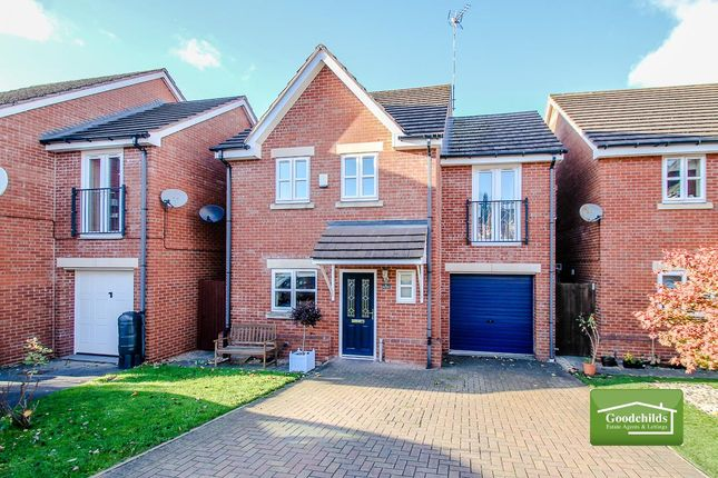 Thumbnail Detached house for sale in Merlin Close, Brownhills, Walsall