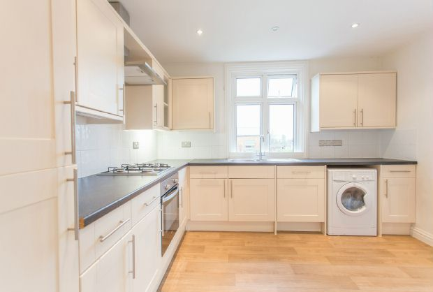 Thumbnail Flat for sale in High Street, Sunninghill, Ascot
