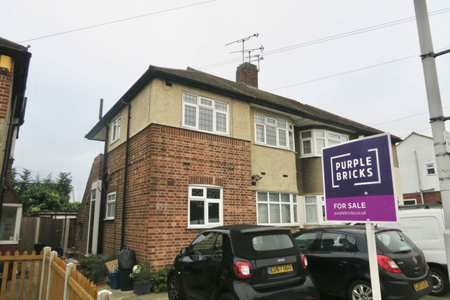 Maisonette in  Tomswood Hill  Ilford  East London