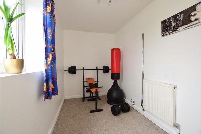 Thumbnail Flat for sale in Avenue Road, Freshwater, Isle Of Wight