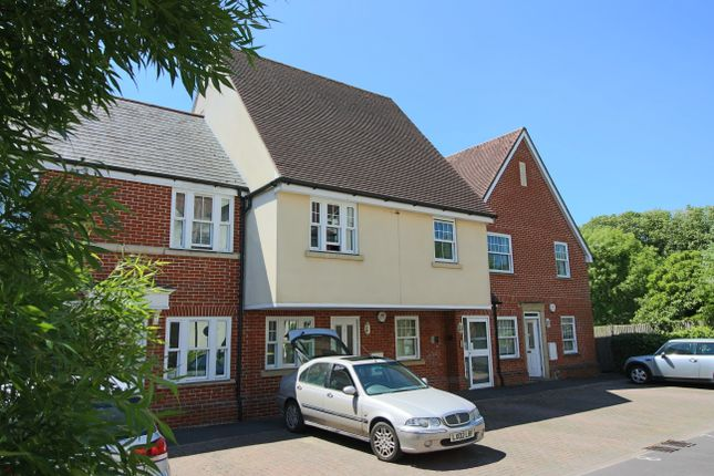Thumbnail Flat to rent in Bell Mews, Whitchurch, Hampshire