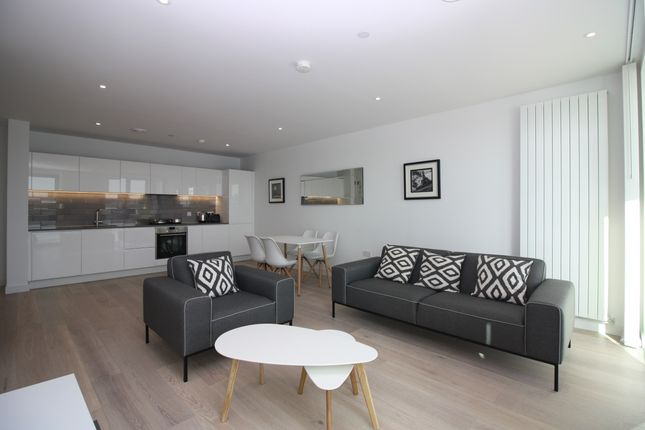 Thumbnail Flat to rent in Laker House, Royal Wharf, Docklands