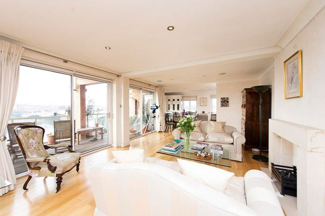 Thumbnail Flat for sale in Fulham Riverside, Fulham