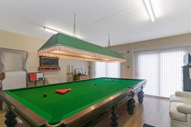 Pool Room of River View, Kirkcaldy, Fife, Scotland KY1