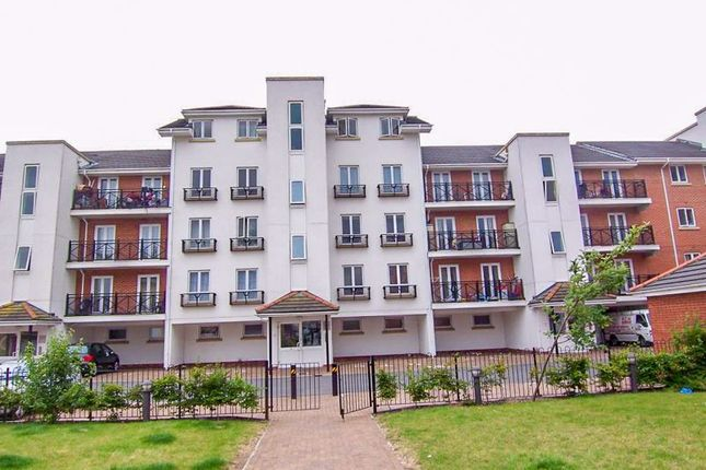 Thumbnail Flat for sale in Hermitage Close, London