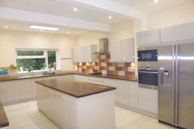Thumbnail Property to rent in Sherwoods Road, Watford