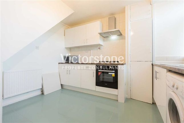 Thumbnail Maisonette to rent in Old Montague Street, Shoreditch, London