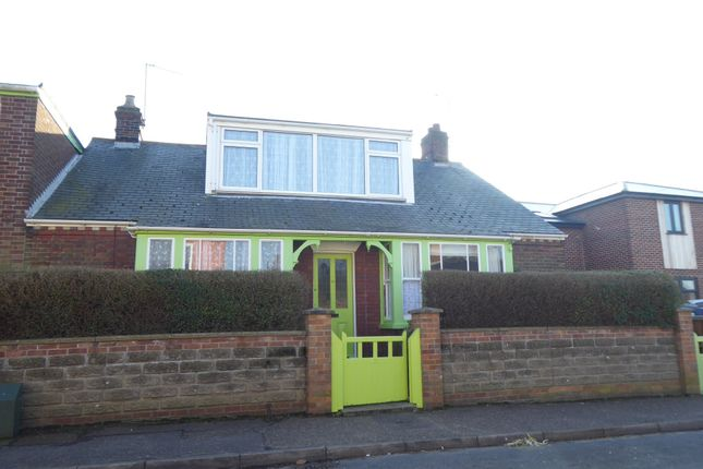 Thumbnail Detached bungalow to rent in Colomb Road, Gorleston, Great Yarmouth