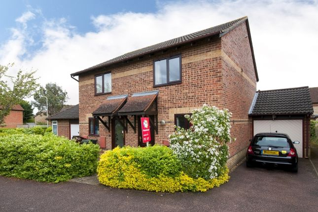 2 bed semi-detached house to rent in Acorn Close, Bicester OX26