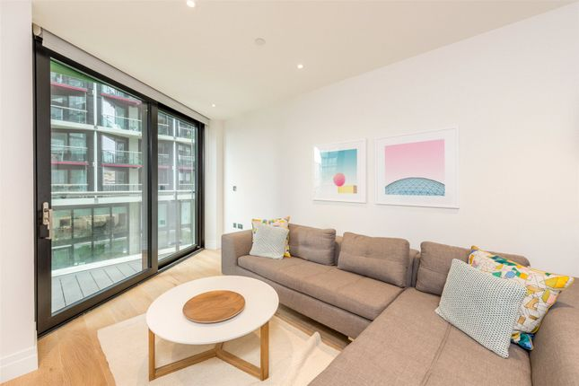 2 bed flat to rent in Four Riverlight Quay, Nine Elms, London