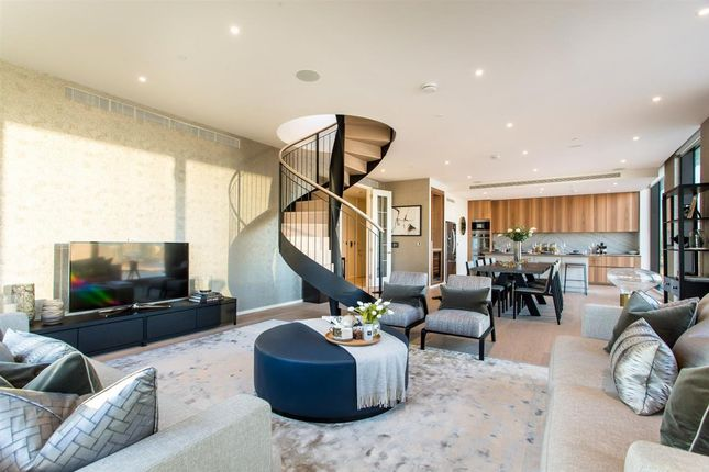 Thumbnail Flat to rent in New Union Square, London