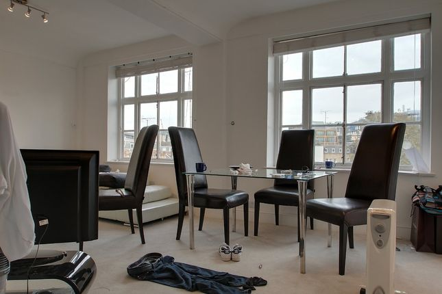 1 bed flat for sale in Hertford Street, London