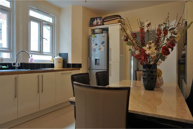 Thumbnail Flat for sale in Kingswood Road, Brixton Hill