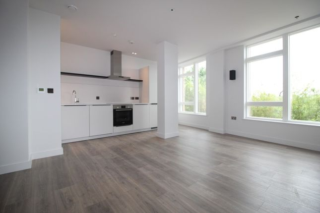 Thumbnail Flat to rent in Merrion Avenue, Stanmore