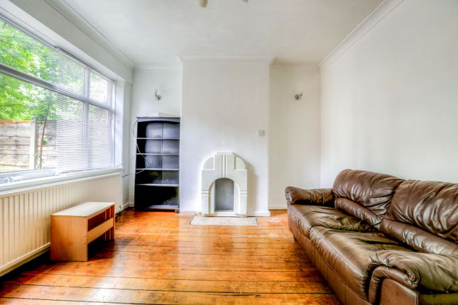Thumbnail Flat to rent in Crescent Range, Manchester