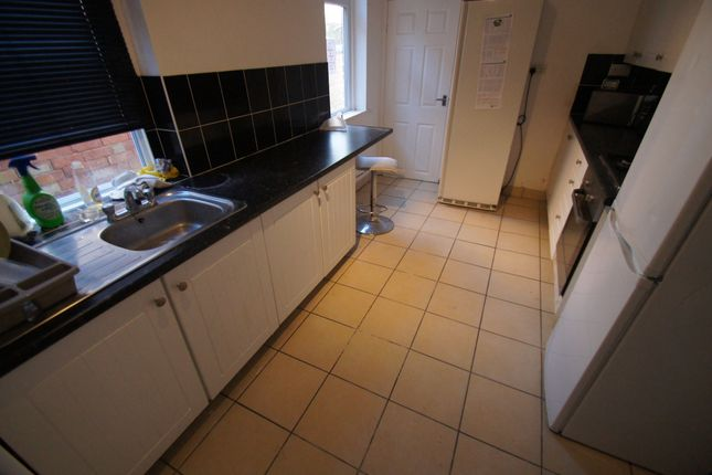 Thumbnail Terraced house to rent in Claremont Road, Rugby