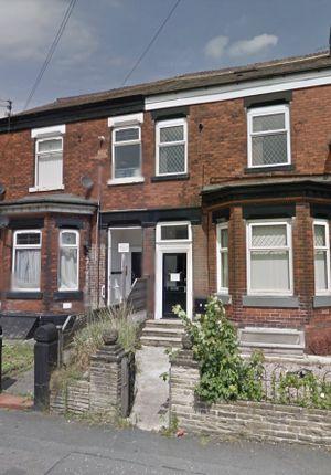 Thumbnail Flat to rent in Cringle Road, Heaton Chapel, Stockport