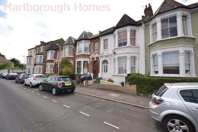Flat to rent in Marlborough Road, London