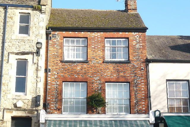 Thumbnail Flat to rent in Market Place, Faringdon