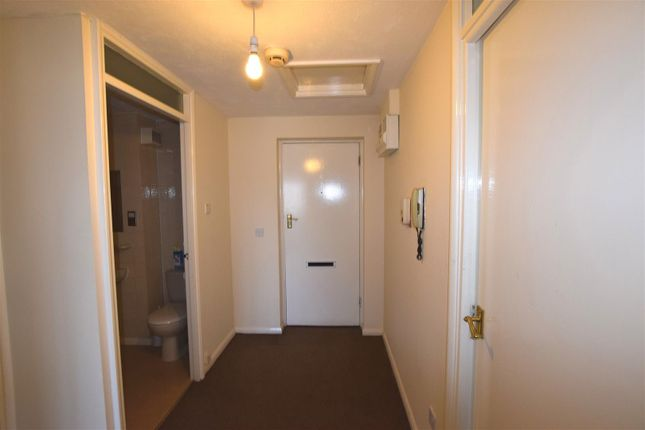 Entrance Hall of Portland Close, Chadwell Heath, Romford RM6