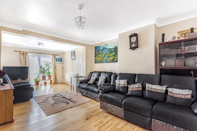 4 bed semi-detached house for sale in Simmons Way, Whetstone, London N20