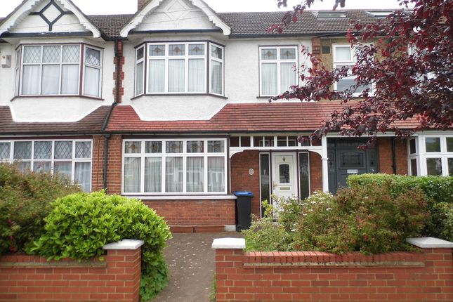 Thumbnail Terraced house for sale in Halstead Gardens, Winchmore Hill