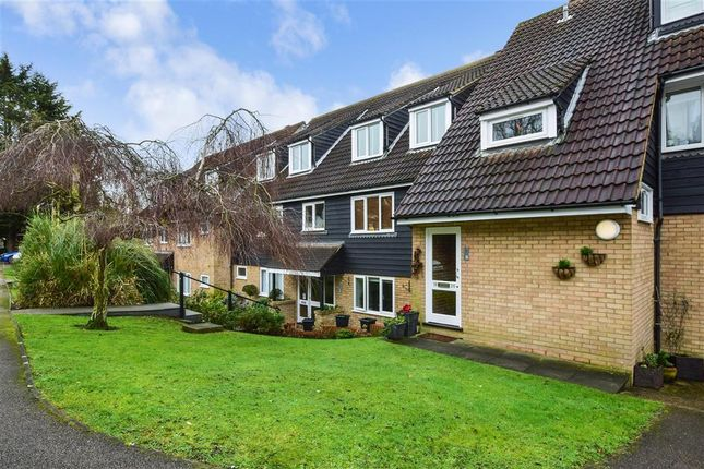 Thumbnail Flat for sale in Goldings Road, Loughton, Essex