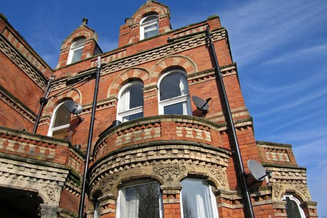 Thumbnail Flat for sale in Princes Avenue, Hull