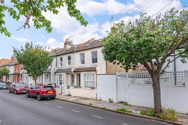 Flat for sale in Kinnoul Road, Hammersmith, Fulham, London