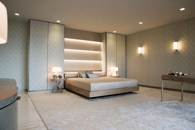 Master Bedroom (Rg)