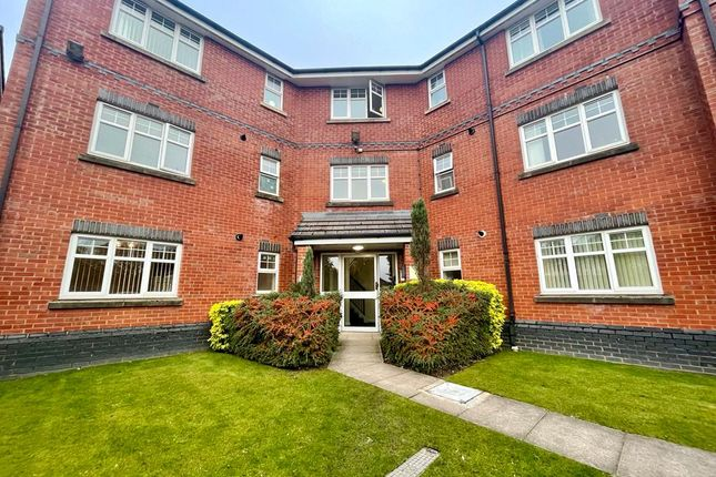 Thumbnail Flat for sale in Linnyshaw Close, Bolton