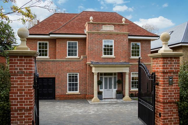 Thumbnail Detached house for sale in Hill View Road, Claygate