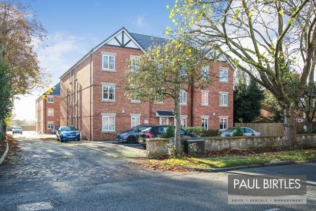 Thumbnail Flat to rent in Stretford Road, Urmston