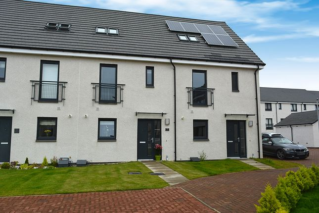 Thumbnail Town house for sale in 9 Crofton Square, Renfrew