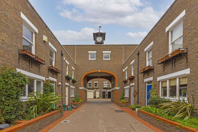 3 bed property to rent in Clock Tower Mews, London N1