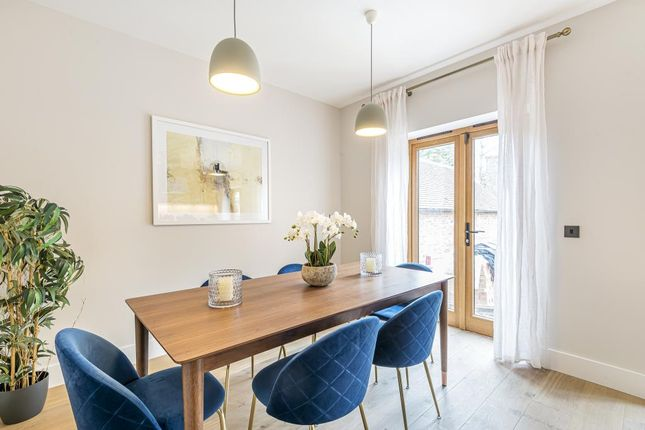 Dining Room of Victoria Avenue, London N3