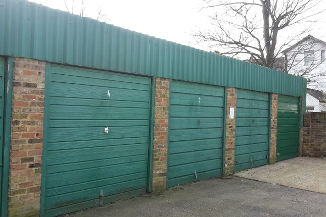 Parking/garage to rent in Elmwood Road, Croydon